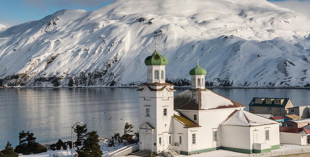 アラスカの風景、教会と雪山